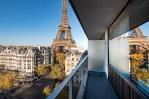 Deluxe King Room with Trocadero View and Eiffel Tower View from Balcony