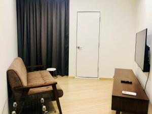 Lusso Suite Island Plaza, Apartmány  George Town - big - 53