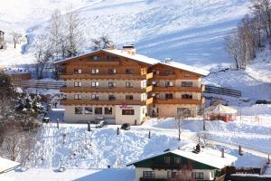 Familien & Wohlfühlhotel Johanneshof, Hotely  Saalbach Hinterglemm - big - 1