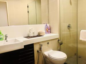 Lusso Suite Island Plaza, Apartmány  George Town - big - 110