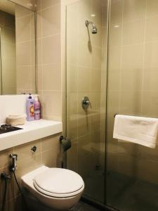 Lusso Suite Island Plaza, Apartmány  George Town - big - 111