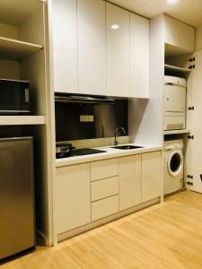 Lusso Suite Island Plaza, Apartmány  George Town - big - 106