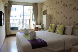 Deluxe Double Room with Balcony-Building 2