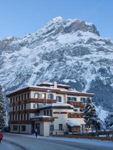 Hotel Spinne Grindelwald, Szállodák  Grindelwald - big - 56