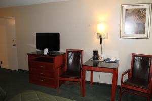 Double Room with Two Double Beds - Mobility Access/Non-Smoking