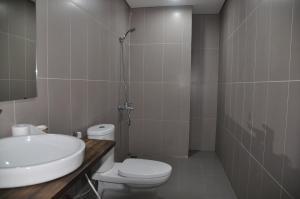 Goldmark City For Travelers, Apartments  Hanoi - big - 32