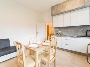Feniks Apartamenty - Holiday Home, Apartmanok  Kołobrzeg - big - 61