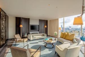 Two-Bedroom Waldorf Suite