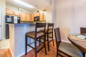 Palms Resort 2303 by RealJoy Vacations, Apartmanok  Destin - big - 7