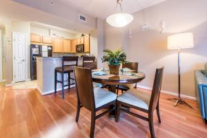 Palms Resort 2303 by RealJoy Vacations, Apartmanok  Destin - big - 4