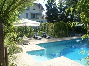 Villa Sanluca, Bed & Breakfast  Nyon - big - 24