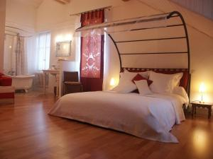 Villa Sanluca, Bed & Breakfast  Nyon - big - 14