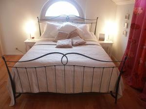Villa Sanluca, Bed & Breakfast  Nyon - big - 9