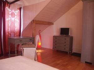 Villa Sanluca, Bed & Breakfast  Nyon - big - 4