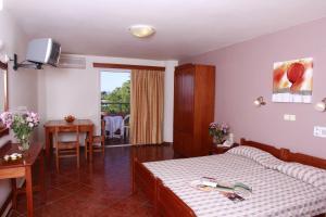 Iolkos Hotel Apartments, Apartmanhotelek  Káto Daráco - big - 33