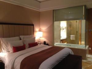Wyndham Hotel Qingdao XinJiang, Hotels  Qingdao - big - 3