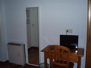 Hostal Castilla, Guest houses  Madrid - big - 11