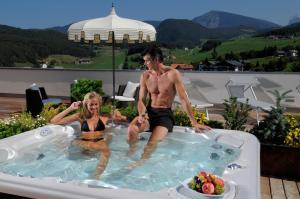 Hotel Castel Oswald von Wolkenstein - AbcAlberghi.com