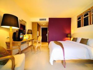 Serene Corner Double Room