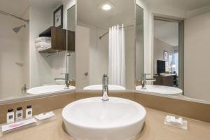 Country Inn & Suites by Radisson, La Crosse, WI, Hotels  La Crosse - big - 15