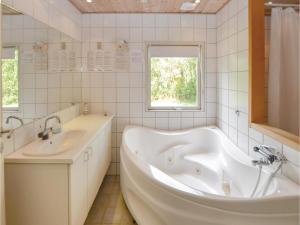 Holiday home Birkemose Denm, Дома для отпуска  Skovby - big - 12