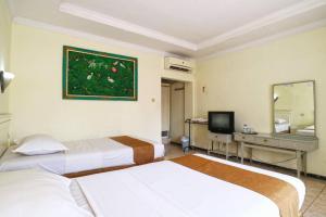 Hotel Tanjung, Hotely  Surabaya - big - 19