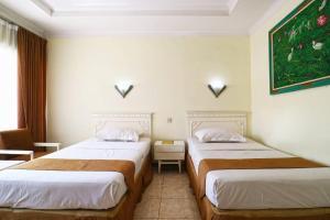 Hotel Tanjung, Hotely  Surabaya - big - 11