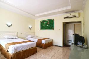 Hotel Tanjung, Hotely  Surabaya - big - 9