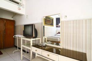 Hotel Tanjung, Hotely  Surabaya - big - 17