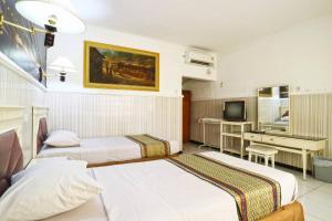Hotel Tanjung, Hotely  Surabaya - big - 27
