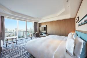 Renovated Prince Suite Room - Non-Smoking