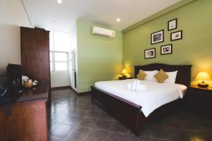 Feung Nakorn Balcony Rooms and Cafe, Hotels  Bangkok - big - 13