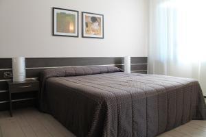 Hotel Residence Aurora, Отели  Падерно-Дуньяно - big - 4