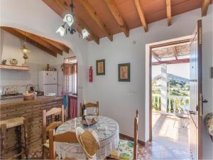 Holiday home Cuesta Robano, Nyaralók  Sayalonga - big - 9