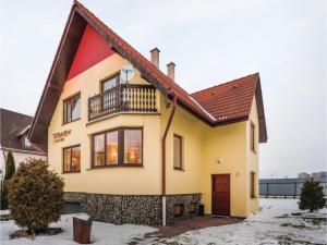 Five-Bedroom Holiday Home in Velka Lomnica