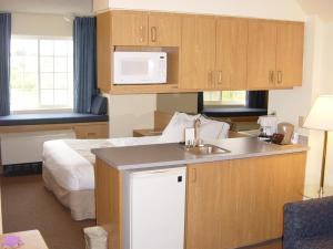 Microtel Inn & Suites Anchorage