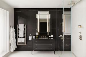 Four-Bedroom Residence
