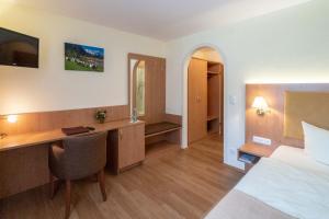 Hotel Garni Brunnthaler, Отели  Гармиш-Партенкирхен - big - 9
