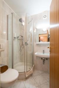Hotel Garni Brunnthaler, Отели  Гармиш-Партенкирхен - big - 10