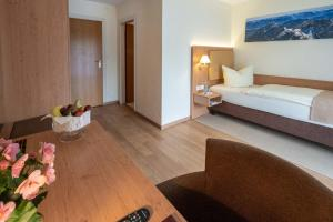 Hotel Garni Brunnthaler, Отели  Гармиш-Партенкирхен - big - 2