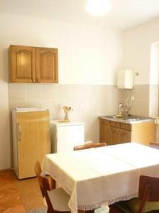 Apartment Podgora 13989a, Apartmány  Podgora - big - 6