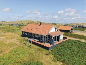 Four-Bedroom Holiday Home in Hvide Sande, Nyaralók  Hvide Sande - big - 2
