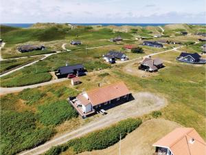 Four-Bedroom Holiday Home in Hvide Sande, Nyaralók  Hvide Sande - big - 5