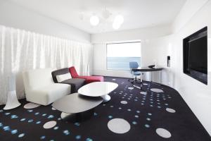 Celebrio Suite Room
