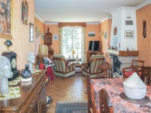 Holiday home Rue De L'Armor, Nyaralók  Lanvollon - big - 6