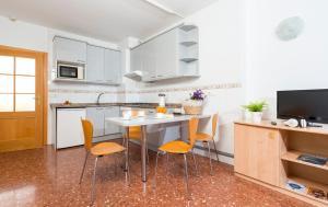Apartaments Els Llorers, Апарт-отели  Льорет-де-Мар - big - 3