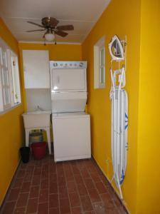 Jade's Oasis, Alloggi in famiglia  Oranjestad - big - 20