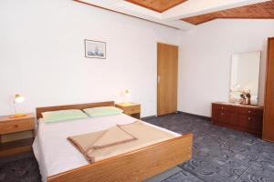 Apartment Vrsi - Mulo 5796a, Apartmány  Vrsi - big - 4