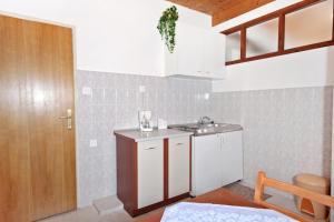 Apartment Vrsi - Mulo 5796a, Apartmány  Vrsi - big - 5