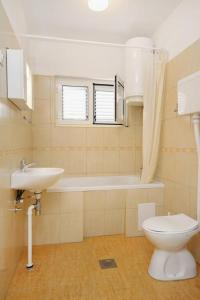 Apartment Vrsi - Mulo 5796c, Apartmány  Vrsi - big - 8